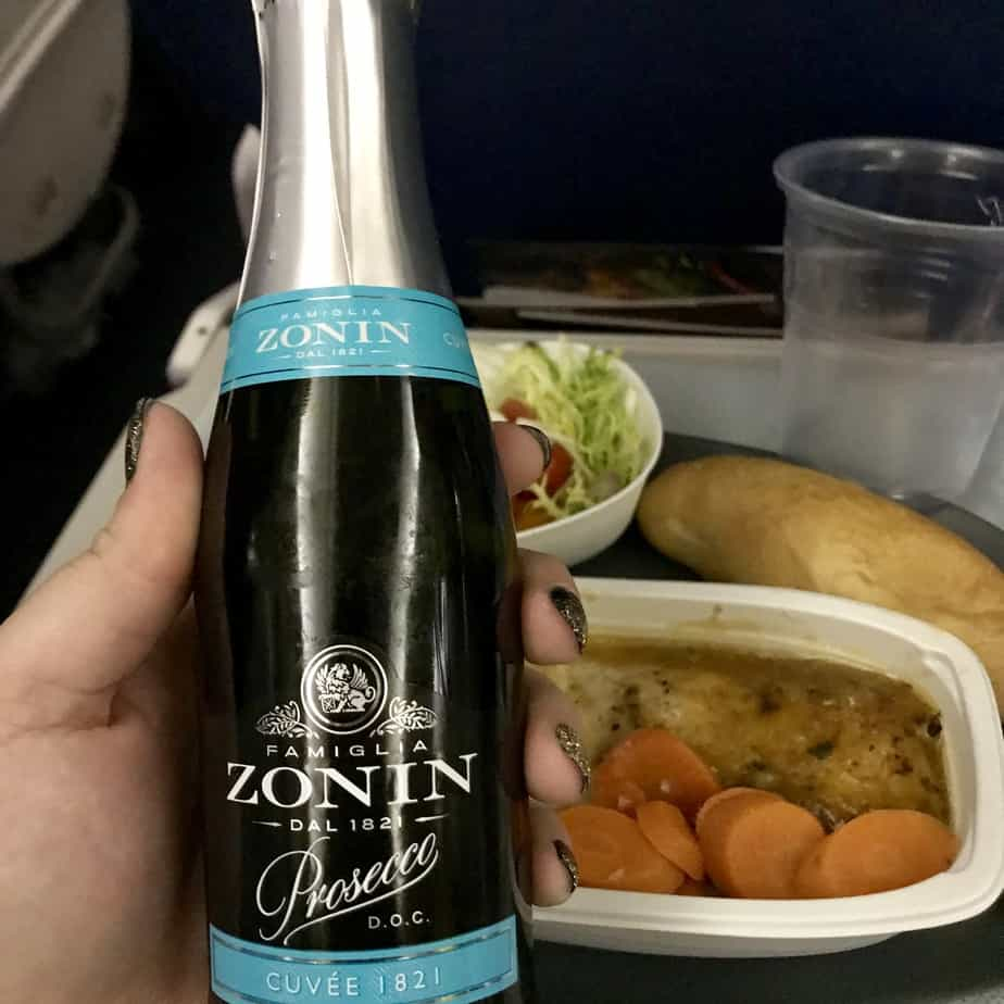 Delta International Economy Class: Main Meal Drink