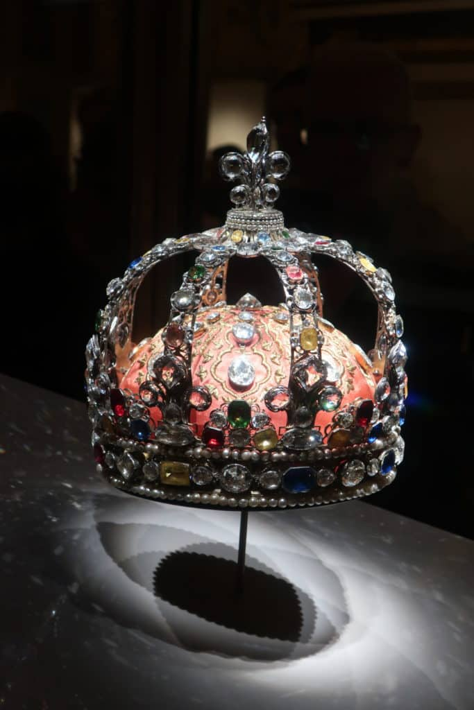What to See in the Louvre: Galerie d'Apollon French Crown Jewels