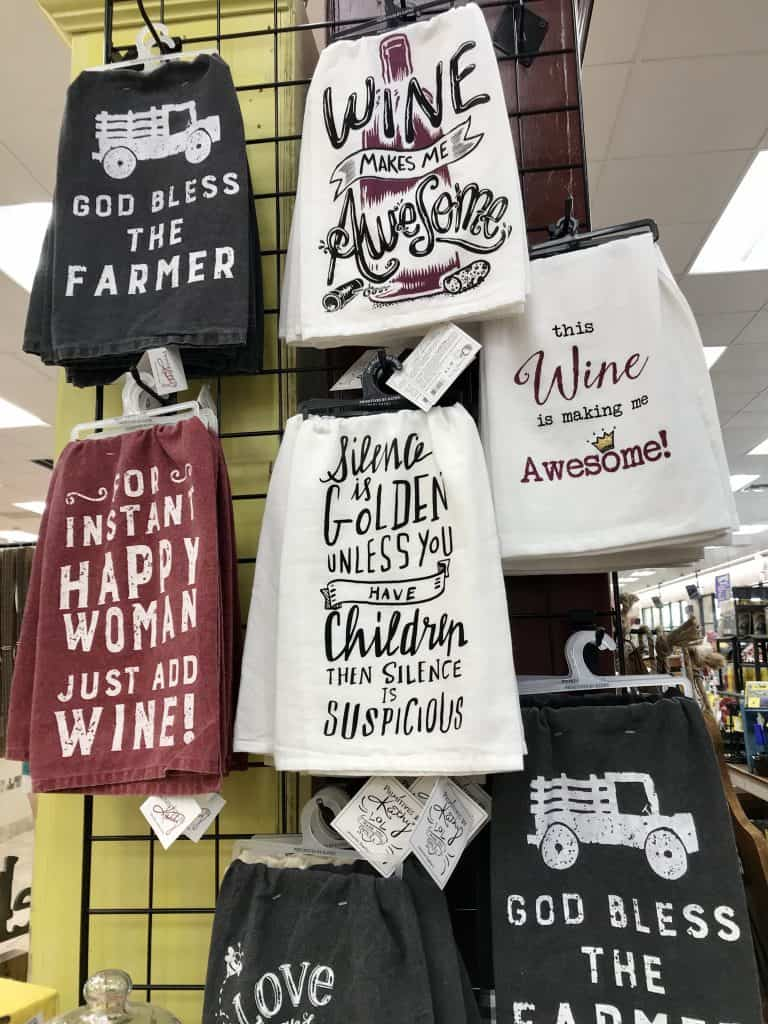 Best gifts to buy at Buc-ee's: Cute housewares and tea towels